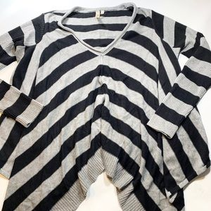 Andree | Oversized Stripped Top Small Black Gray